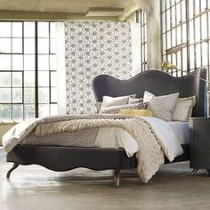 Quinley King Bed