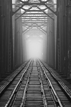 International railroad bridge, sault ste. marie, ontario (by twurdemann). S)