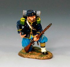 Civil War Union CW032 Kneeling Loading - Made by King and Country Military Miniatures and Models. Factory made, hand assembled, painted and boxed in a padded decorative box. Excellent gift for the enthusiast.