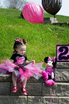 As obsessed as Soph is with Minnie Mouse, this would be perfect....Minnie birthday,  2 year-old, photos