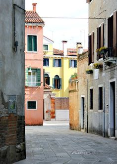 Wander the streets of the Mediterranean with this travel guide from Burano, Italy. There's nothing better than getting lost on old cobblestone roads and experiencing the culture of Italy alongside a coffee creation. Top Of The World, Travel Around The World, Around The Worlds, Places To Travel, Places To See, Travel Destinations, Culture Of Italy, Italy Pictures, Travel Bugs
