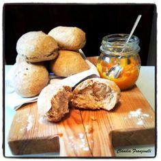 Pane #bread #break #likealways #love #handmade #idee #lunch #good #food #foodporn #break #thè #dinner #breakfast #roncocalino #assortment #lunch #good