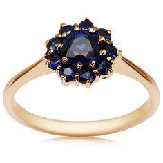 Kolekcja Wiktoriańska - pierścionek z szafirami (2328S - 52573) z kategorii: Kolekcje. Dostępny w cenie: 1995PLN. Wygląd: Złoto; Szafir