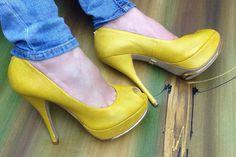 Sandália pip toe #JorgeBischoff além de linda possui meia pata para seu melhor conforto  #brechócamarimtododianovidade  #brecho .