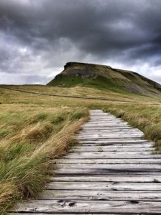 Pen-y-ghent. Yorkshire Dales National Park, England. The slow walk on Yorkshire Three Peaks - Pen-y-ghent | Photo by Rong Fu