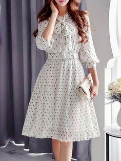 Vintage inspired Cream Chiffon A-line Balloon Sleeve Midi Dress with Belt Vintage Midi Dresses, Elegant Midi Dresses, Simple Dresses, Casual Dresses, Classy Dress, Classy Outfits, Pretty Outfits, Pretty Dresses, Midi Dress Outfit