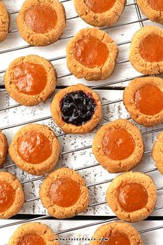 maniapieczenia: Migdałowe oczka - 'Thumbprint Cookies (bez glutenu...