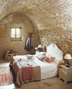 #rustic #Bedroom #Stone