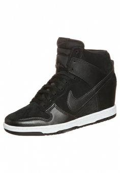 Nike Sportswear: Nike Sportswear DUNK SKY HI Botki na koturnie czarny
