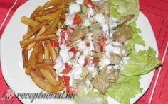 Csirke gyros tál recept fotóval Empanadas, Wok, Tacos, Curry, Mexican, Ethnic Recipes, Lilac, Curries, Empanada