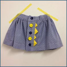 Icing pattern from 'Homemade Mini Couture'  rokje met wimpels in een Froy and Dind stofje