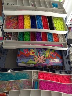 Use a tackle-box from Walmart and BAM a rubber band case enjoy Rainbow Loom Bands, Rubber Band Bracelet, Tackle Box, Rubber Bands, Bracelet Making, Crafts To Make, Simple Designs, Bed Pillows, Walmart