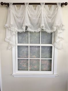 Shabby Chic Bedrooms On A Budget, Shabby Chic Bedroom Furniture, Shabby Chic Kitchen Decor, Shabby Chic Living Room, Shabby Chic Homes, Living Room Decor, Shabby Cottage, Shabby Bedroom, Romantic Bedrooms