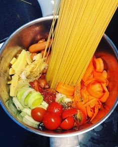 One pot pasta Real Food Recipes, Great Recipes, Healthy Recipes, Healthy Cooking, Healthy Eating, One Pot Dinners, Pot Pasta, Leftovers Recipes, Vegetarian Dinners