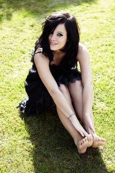 Lily Allen photographed by Simon Emmett 2010 with makeup by Lisa Eldridge