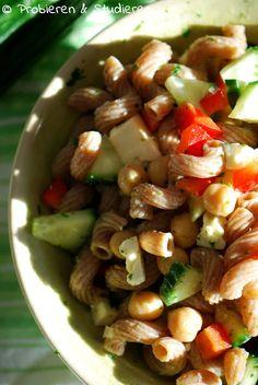Nudelsalat mit Kichererbsen, Gurke & Paprika [Vegetarisch Grillen]   Ein Blog mit Rezepten für die vegetarische Studentenküche - Bunt, gesund und schnell kochen