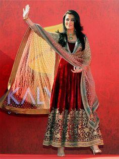 Aishwarya Rai Bachchan at the Dubai launch of kalyan Jewellers