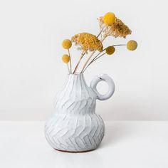 Scandi Style, Furniture Styles, Vases Decor, Danish Design, Scandinavian Design, Dried Flowers, Terracotta, Glaze, Create Yourself