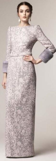 A La Russe Fall/Winter Downton Abbey.Too bad I have nowhere to go! Gala Dresses, Nice Dresses, Evening Dresses, Modest Fashion, Hijab Fashion, Fashion Outfits, Muslim Fashion, Fasion, Elie Saab