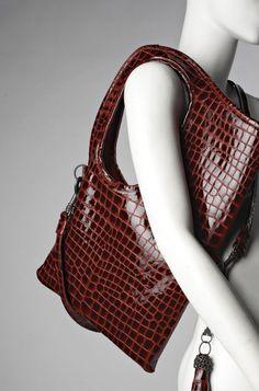Hot Bag Alert: The Devil Wears Prada Messenger Bag Now Available ...