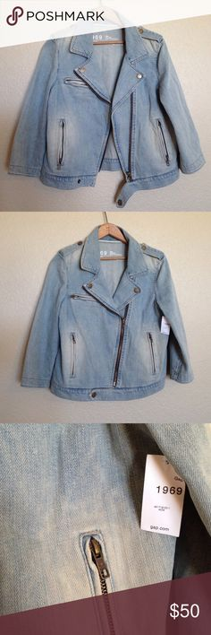 NWT Gap 1969  jean jacket NWT GAP Jean jacket! Size medium. ADORABLE and a MUST have! New condition. Cute polka dot pattern on inside. 3/4 sleeve. Zipper detail. Chic and trendy. Selling for an amazing price! GAP Jackets & Coats Jean Jackets