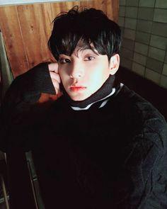 -about seventeen's texts and instas- thể loại: hài, ngọt. Woozi, Wonwoo, Jeonghan, Seungkwan, Kpop, Vernon Chwe, Hip Hop, Kim Min Gyu, Mingyu Seventeen
