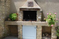 En pierres, en briques, en béton... Les lecteurs ont construit leur propre barbecue. Voici une sélection de ceux qui ont séduit la rédaction.