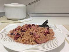 Este plato está riquísimo, repetiréis seguro :) Ingredientes: - 250 gr de fideuá (que no se pase) - 2 cebollas - 2 hojas de laurel - Perejil fresco - 2 dient...
