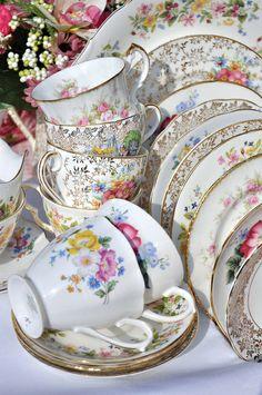 Gorgeous Gold and Pink Vintage Tea Set