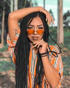 Top 20 des plus belles braids box pour votre inspiration ! Afro Braids, African Braids, Twist Braids, Twists, Box Braids Hairstyles, Baddie Hairstyles, Curly Hair Styles, Natural Hair Styles, Box Braids Styling