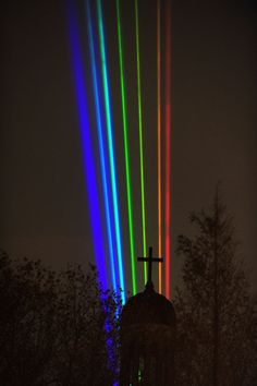 """Must See --> """"Global Rainbow, After the Storm?"""" A light tribute to Hurricane Sandy victims."""
