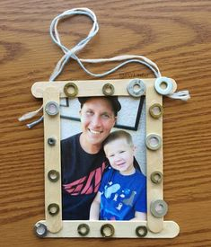 Washer Frame for Father's Day - Simply Kinder Fathers Day Frames, Fathers Day Art, Diy Father's Day Gifts, Father's Day Diy, Homemade Fathers Day Gifts, Papa Tag, Mother And Father, Father Sday, Mothers