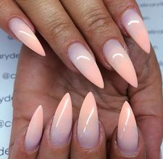 Love these ombre nails ❥♡❥