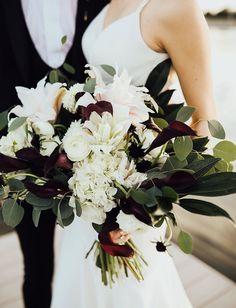 white and dark bouquet