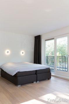 Ruime slaapkamer met balkon Outdoor Furniture, Outdoor Decor, Home Decor, Decoration Home, Room Decor, Home Interior Design, Backyard Furniture, Lawn Furniture, Home Decoration