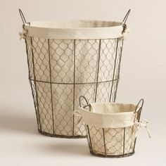 Crafted of chicken coop-style wire with an antiqued finish and removable lining this sturdy vintage-inspired tote stylishly stores everything from books to accessories to towels. >> Storage and Organization Farmhouse Style Furniture, Home Decor Furniture, Farmhouse Decor, City Farmhouse, Fresh Farmhouse, Wire Baskets, Storage Baskets, Tiny House Show, Chicken Wire