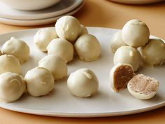 Snickerdoodle Cookie Dough Truffles : These eggless, cookie-inspired truffles feature an amazing duo: cinnamon and white chocolate. The truffles make a great gift for teachers or friends when wrapped in a box with some pretty tissue. Candy Recipes, Sweet Recipes, Holiday Recipes, Cookie Recipes, Dessert Recipes, Desserts, Holiday Snacks, Simple Recipes, Cookie Ideas