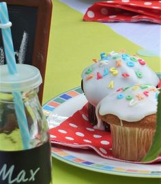 Muffins Einschulung The Effective Pictures We Offer You About kids christmas painting A quality pict Simple Muffin Recipe, Healthy Muffin Recipes, Healthy Muffins, Valentines Day Desserts, Valentines Day Dinner, Valentines Day Decorations, Birthday Desserts, Birthday Ideas, Valentinstag Party