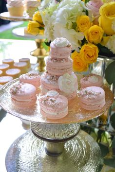 Macaroons and macaroon tower