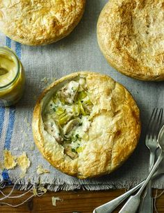 Low calorie chicken, leek and mushroom pot pies. Under 400 calories!