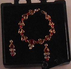 Necklace 13-4 by Ursula Stumer