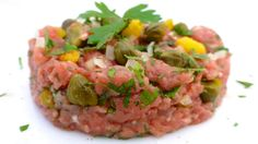 Classic Steak Tartare: raw beef with shallots, capers, parsley, piccalilly pickles and tabasco... My absolute favorite!