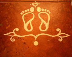 Here are some of the best Rangoli designs for diwali. These rangoli designs are simple and easy to draw. So decorate your house with beautiful rangoli designs. Rangoli Borders, Rangoli Border Designs, Small Rangoli Design, Rangoli Patterns, Colorful Rangoli Designs, Rangoli Ideas, Rangoli Designs Images, Rangoli Designs Diwali, Diwali Rangoli