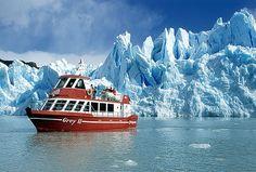 Navegar por lagos y aparecíar la magnitud de los glaciares