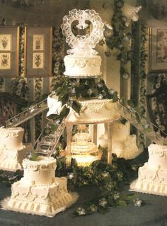 1000+ images about Traditional Wedding Cakes on Pinterest | Fountain wedding cakes, Wedding ...
