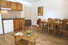 Espace cuisine/salle à manger de la résidence Mona Lisa, le Pra Palier à Orcières