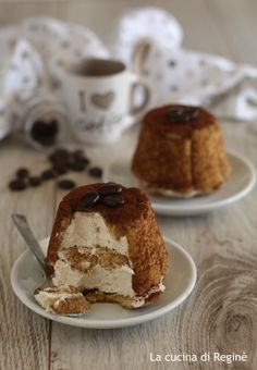 Cupoletta fredda di pavesini al caffè un dessert fresco a cui è impossibile resistere, un dolce goloso che conquista tutti al primo assaggio
