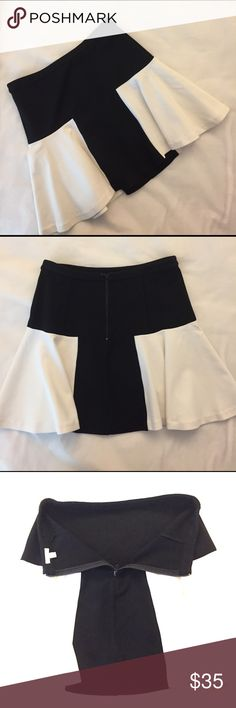 "Intermix Skirt Size L, waist 28"", length 32"", viscose blend, back zip, in excellent condition. Intermix Skirts"
