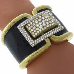 David Webb Style 9.00ct Round Cut Diamond Black Enamel 18k Yellow Gold Cuff Bangle - See more at: http://www.newyorkestatejewelry.com/bracelets/9.00ct-diamond-enamel-gold-cuff-bangle-/24592/6/item#sthash.nhGi6Sv3.dpuf