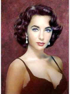 Beautiful Liz Taylor, the woman with violet eyes .-Beautiful Liz Taylor, la mujer de los ojos violeta Beautiful L… Beautiful Liz Taylor, the woman with the violet eyes Beautiful Liz Taylor, the woman with the violet eyes - Hollywood Stars, Hollywood Icons, Old Hollywood Glamour, Hollywood Actresses, Classic Hollywood, Classic Actresses, Beautiful Actresses, Elizabeth Taylor Eyes, Violet Eyes